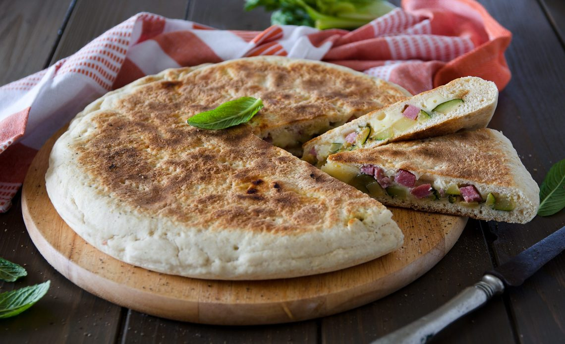 la ricetta della focaccia senza lievitazione da cuocere in padella